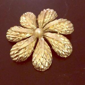 Versatile textured flower pin pearl center